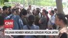 VIDEO: Puluhan Member Memiles Geruduk Polda Jatim