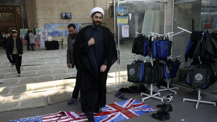 Iran kembali memberi peringatan keras terhadap Eropa dan Amerika Serikat.