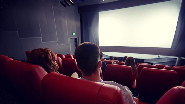 Terengah-engah Bioskop Indonesia Mengejar India