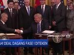 Wajah Sumringah Trump Saat Teken Damai Dagang Fase I AS-China