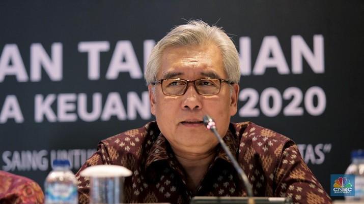 Kepala Eksekutif Pengawas Industri Keuangan Non-Bank, Anggota Dewan Komisioner OJK Riswinandi . (CNBC Indonesia/Tri Susilo)
