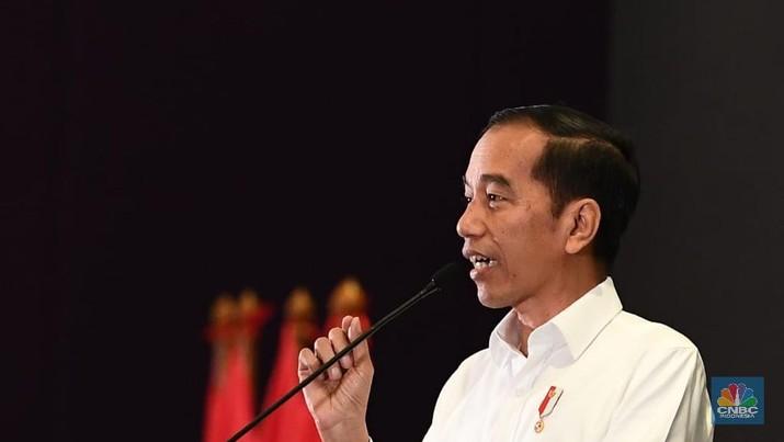 Jokowi mengajak semua pihak bekerja keras di tahun yang penuh dengan tantangan ini.