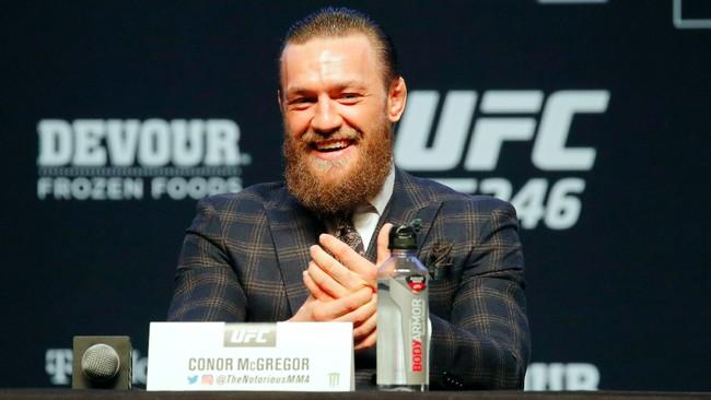 Conor McGregor membantah telah berubah. Meski menghormati Donald Cerrone, The Notorious mengaku tetap yakin bisa dengan mudah mengalahkan Cowboy. (AP Photo/John Locher)