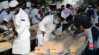 VIDEO: Depak China, India Pecahkan Rekor Kue Terpanjang Dunia