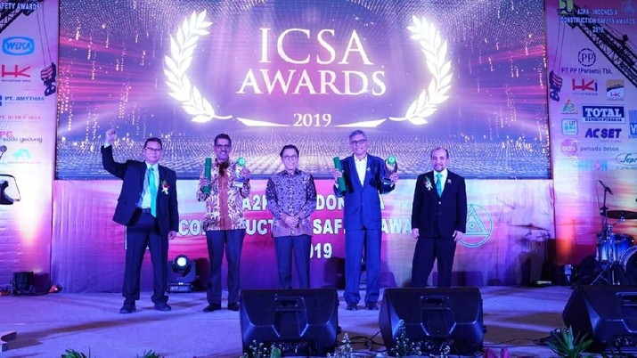 Mengawali catatan gemilang di tahun 2020, PT Hutama Karya (Persero) menyabet beberapa kategori penghargaan pada ajang A2K4 - ICSA 2019.