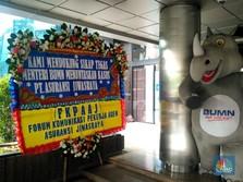 Bongkar Skandal Jiwasraya, Erick Kebanjiran Karangan Bunga