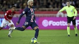 Operan Pantat Neymar Viral Iringi PSG ke Final Piala Liga