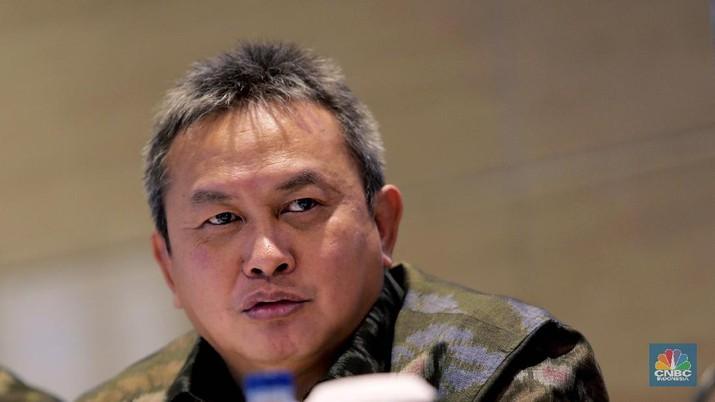 Kepala Eksekutif Pengawas Pasar Modal, Anggota Dewan Komisioner OJK, Hoesen M.M (CNBC Indonesia/Tri Susilo)