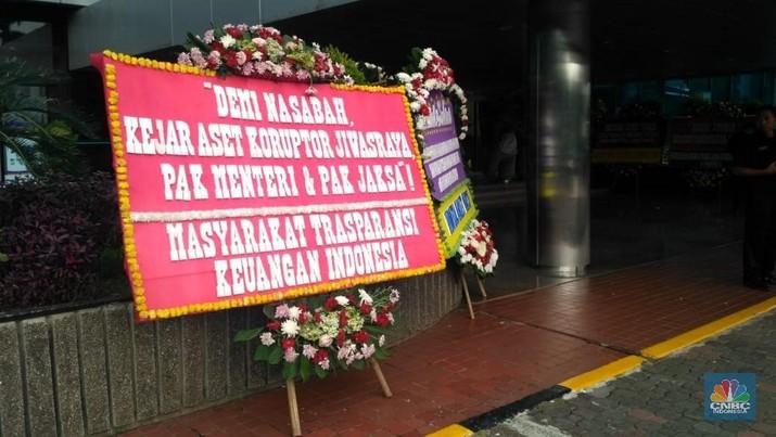 Bereskan Jiwasraya, Kantor Erick Thohir Banjir Karangan Bunga