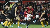 Penyerang MU Anthony Martial nyaris mencetak gol ke gawang Wolverhampton. (AP Photo/Rui Vieira)