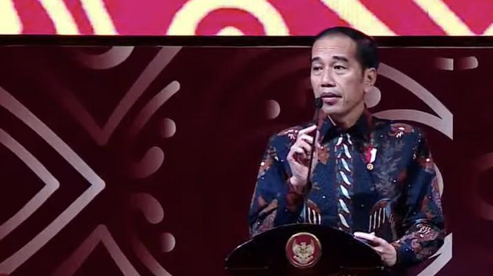 Jokowi menyampaikan dalam pidato di PTIJK bahwa ia tak ingin rupiah terlalu kuat. Penguatan rupiah di atas fundamentalnya berisiko.