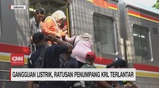VIDEO: Gangguan Listrik, Ratusan Penumpang KRL Terlantar