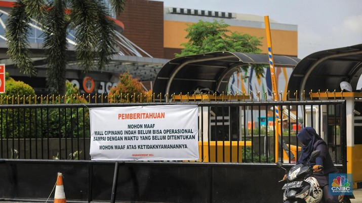 Hampir 3 Minggu Pasca Banjir, Mall Cipinang Indah Masih Tutup