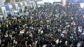 Serupa dengan perayaan Idul Fitri di Indonesia, di China perayaan Imlek merupakan momen mudik terbesar di negara itu.(Chinatopix via AP)