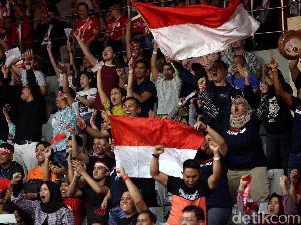 Sorak Sorai Suporter Indonesia Masters Panaskan Istora Senayan