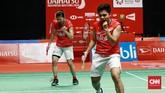 Sempat kalah 18-21 di gim pertama, Greysi/Apriyani memaksakan rubber game lewat kemenangan 21-11 di gim kedua. (CNN Indonesia/Andry Novelino)