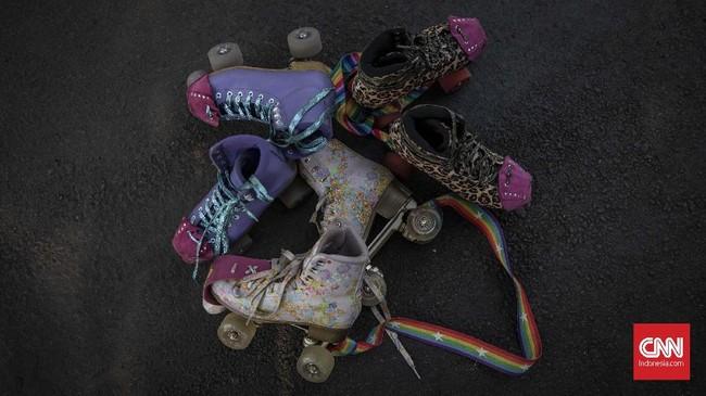 Saat ini sepatu beroda empat kembali marak dijual, baik di dalam maupun di luar negeri.