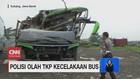 VIDEO: Polisi Olah TKP Kecelakaan Bus di Subang