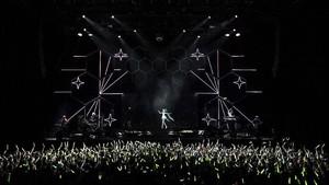 FOTO: Kehebohan Konser Penyanyi Virtual Hatsune Miku di Paris