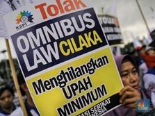 Omnibus Law 'Cilaka' Misterius, Bocoran yang Beredar Hoaks