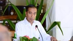 Jokowi Bela Prabowo ke LN: Itu Diplomasi Pertahanan, Bukan Jalan-jalan