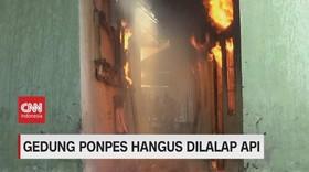 VIDEO: 2 Gedung Ponpes Gontor Terbakar, Santri Panik