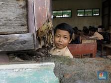 Pak Jokowi, Orang Miskin Susah 'Makan Bangku Sekolahan'!