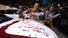 Aksi Unjuk Rasa 'Berdarah' di Pameran Otomotif Brussels