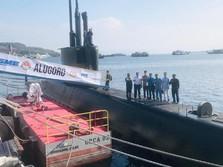 Jokowi Menengok Kapal Selam Buatan Pertama RI di Surabaya