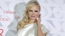 Pamela Anderson Telah Menikah dengan Produser Hollywood