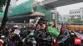 Warga Priok Demo Yasonna, Jalan Rasuna Said Macet