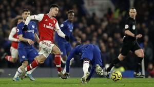 Hasil Liga Inggris: 10 Pemain Arsenal Imbangi Chelsea 2-2