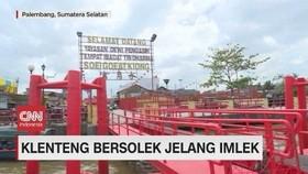 VIDEO: Klenteng Bersolek Jelang Imlek