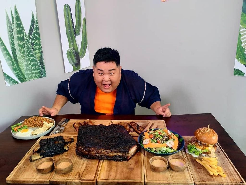 Bakso dan Nasi Padang Sukses Bikin Pelawak Jepang Betah di Indonesia