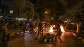 Pendahulu Diab, Saad Hariri, memutuskan mundur setelah gelombang demonstrasi rakyat.(Photo by IBRAHIM CHALHOUB / AFP)