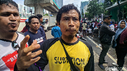 Sebut Wapres Warga Priok, Massa Aksi Tuntut Menteri Yasonna Dicopot