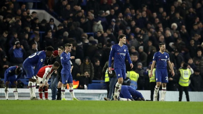 Tambahan satu poin untuk Chelsea membuat mereka kini mengoleksi 40 angka, tertinggal lima angka dari Leicester City yang menghuni peringkat ketiga. Sementara Arsenal masih berasa di peringkat ke-10 dengan 30 poin. (AP Photo/Matt Dunham)