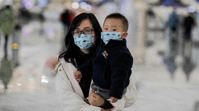 Korban meninggal dunia akibat virus corona hingga saat ini telah mencapai sembilan orang. (Photo by NICOLAS ASFOURI / AFP)