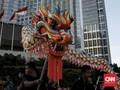 FOTO: Tarian Naga Liong Sambut Imlek di Bundaran HI