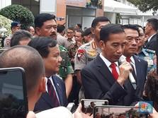 Prabowo Sering ke Luar Negeri, Jokowi Tak Tegur Malah Membela