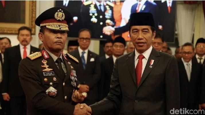 Presiden Jokowi bersama Kapolri Jenderal Idham Azis. (Rengga Sancaya/detikcom)