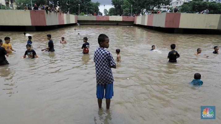 Penanganan underpass Kemayoran yang terendam banjir menjadi kewenangan pemerintah pusat?