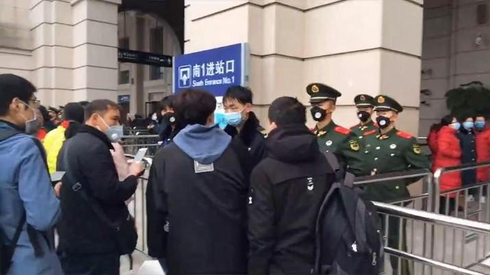 China kembali melaporkan korban baru yang terjangkit corona virus di negaranya.