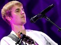 Tangis Justin Bieber Pecah saat Kenang Kepahitan Masa Lalu