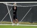 Chelsea Diklaim Incar Kiper Burnley untuk Lecut Kepa
