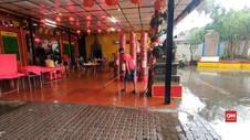 VIDEO: Jelang Perayaan Tahun Baru Imlek, Vihara Kebanjiran