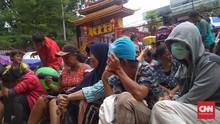 Warga Rela Menginap di Vihara Dharma Bakti Demi Angpau Imlek
