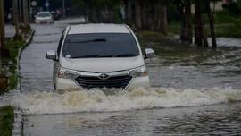 Hujan Deras di Bandung Sejak Jumat Siang, Empat Sungai Meluap