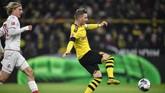 Marco Reusjuga mencatat namanya di papan skor bersama Raphael Guirrero di laga Borussia Dortmund vs FC Koln. (AP Photo/Martin Meissner)