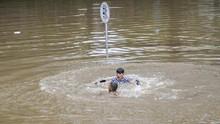 Banjir 3 Meter Belum Surut, Underpass Kemayoran Masih Lumpuh